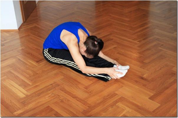 Растяжение мышц спины и задней поверхности бедра